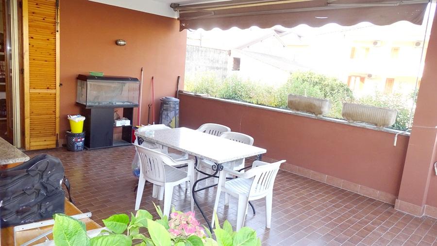 abitazione di 4 locali doppi servizi con terrazzo