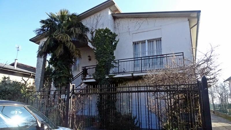 Villa singola a Giussago